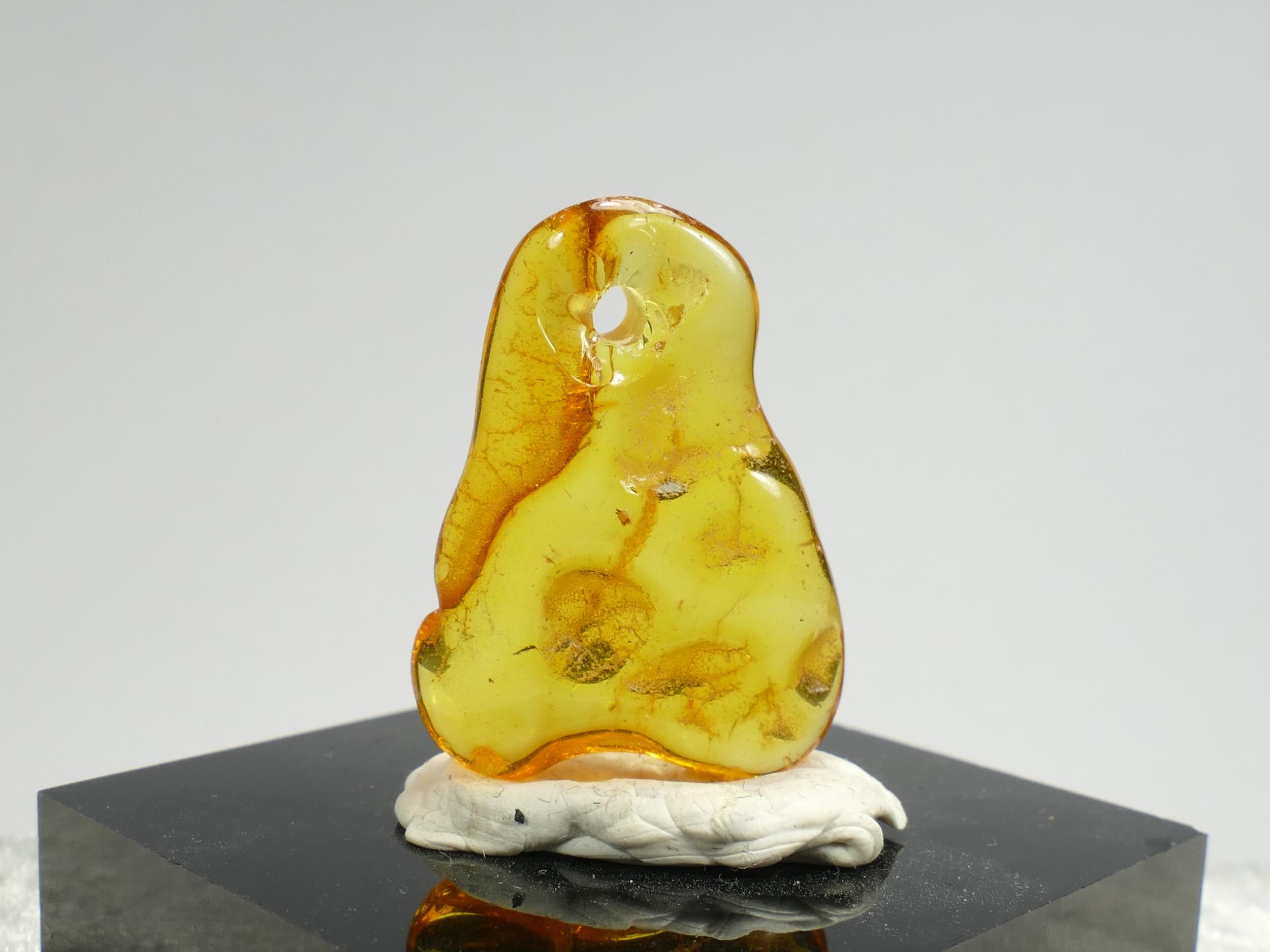 27.5mm morceau d\'Ambre naturel natif roulé perle percé de la Mer Baltique 1.78g orangé jaune (#PK483)