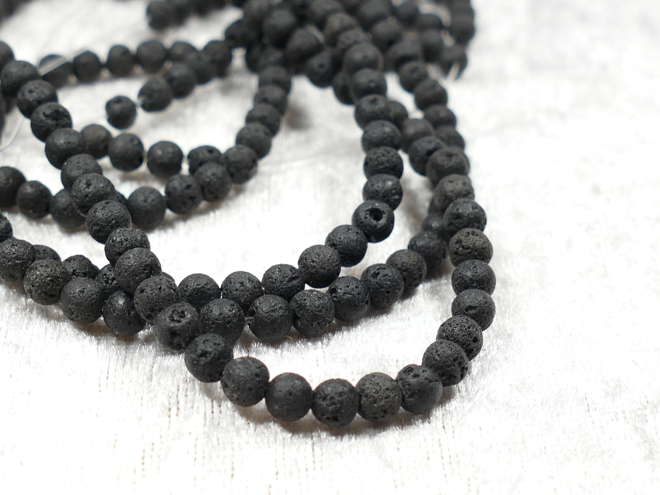4.5mm x20cm Perle de Lave naturelle taillée en boule/ronde (#AC568)
