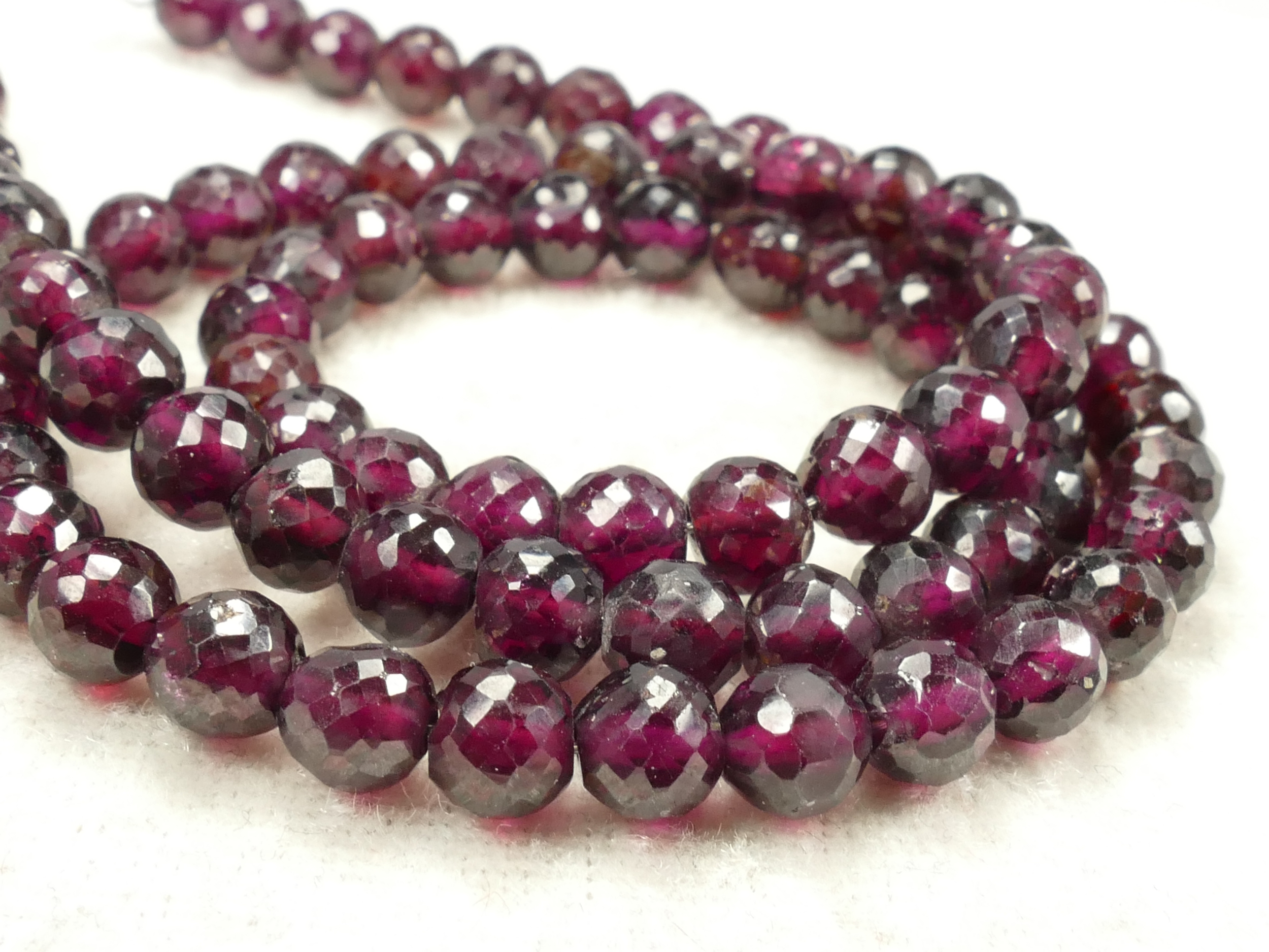 5.6mm Jolie perle de Grenat rouge violet naturel boule / ronde facettée x10 perles (#AC661)