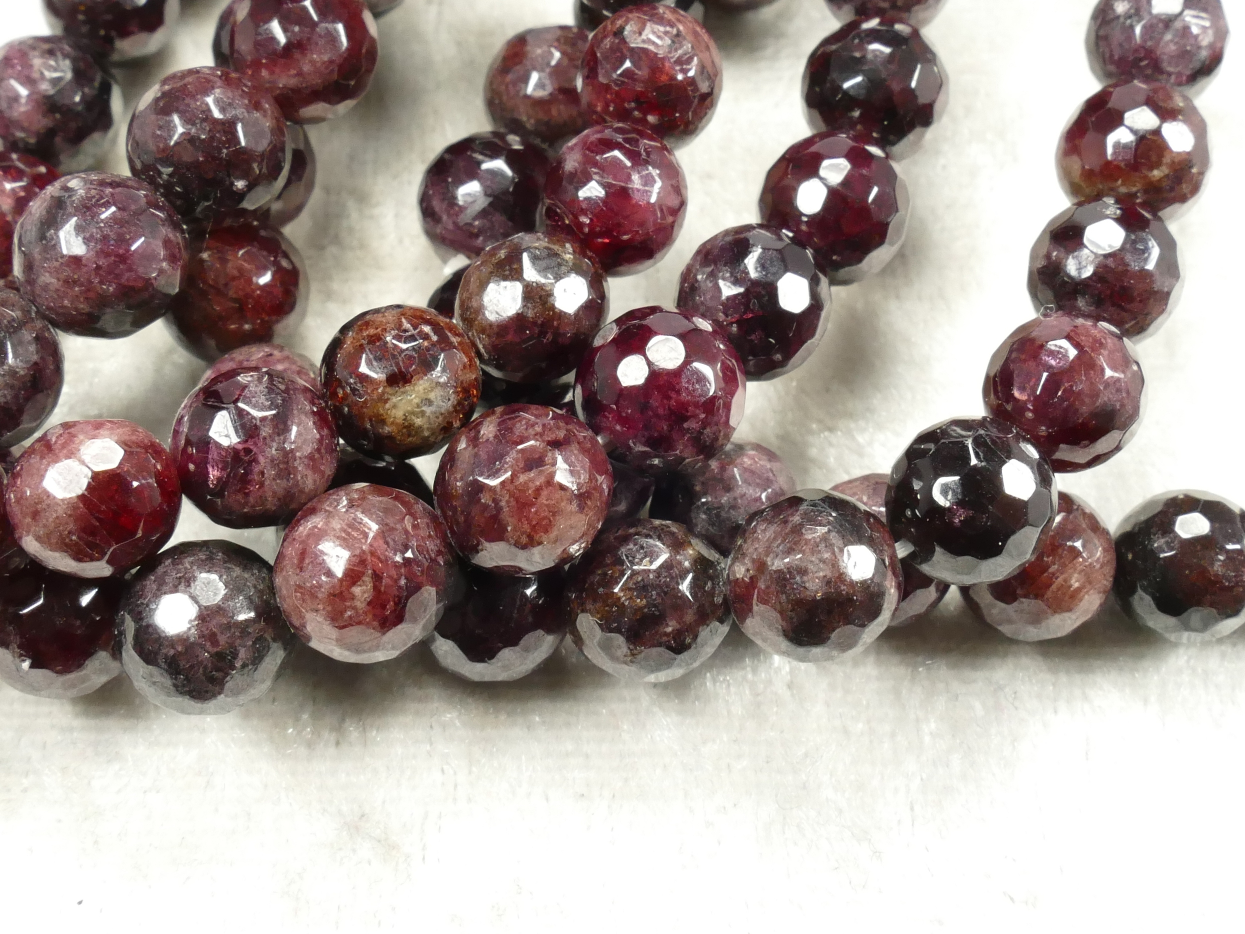 7.3/8.2mm x10 Perles de Grenat rouge foncé naturel boule facettée (#AC718)