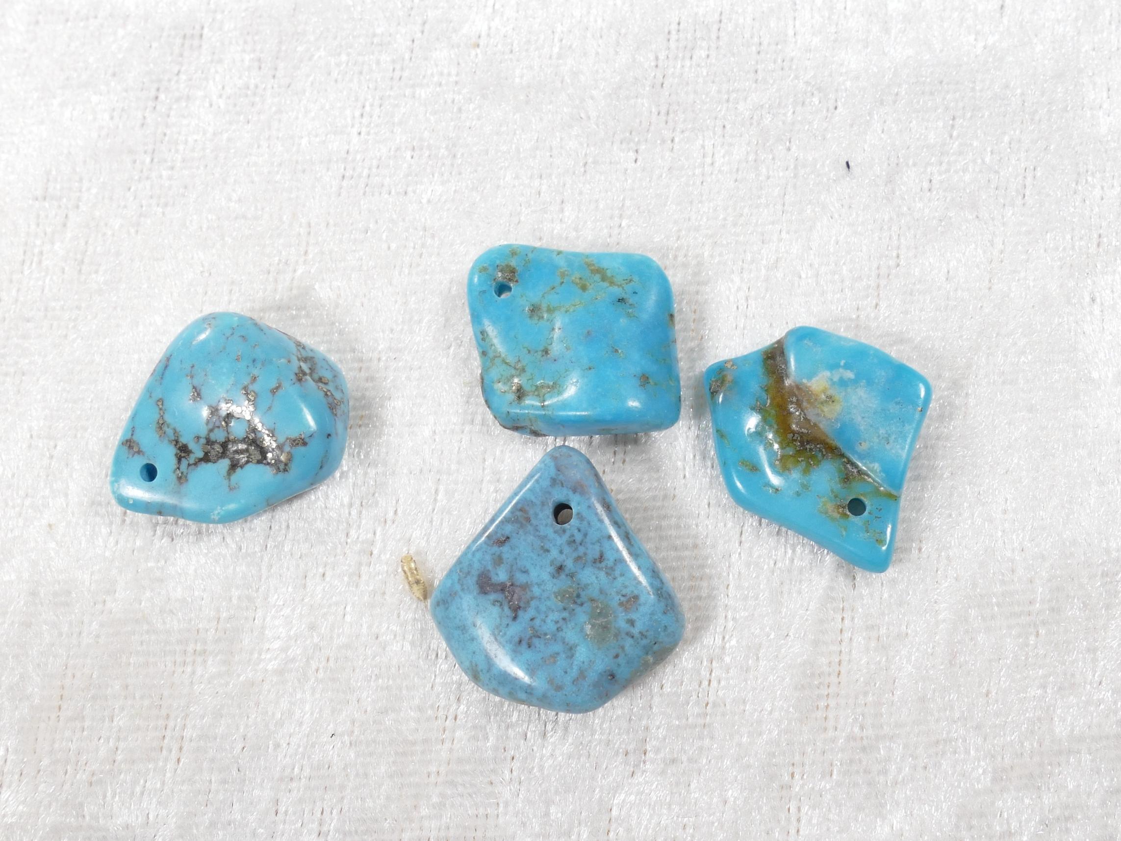4 Perles de Turquoise naturelle en morceau roulé poli (#PM688)