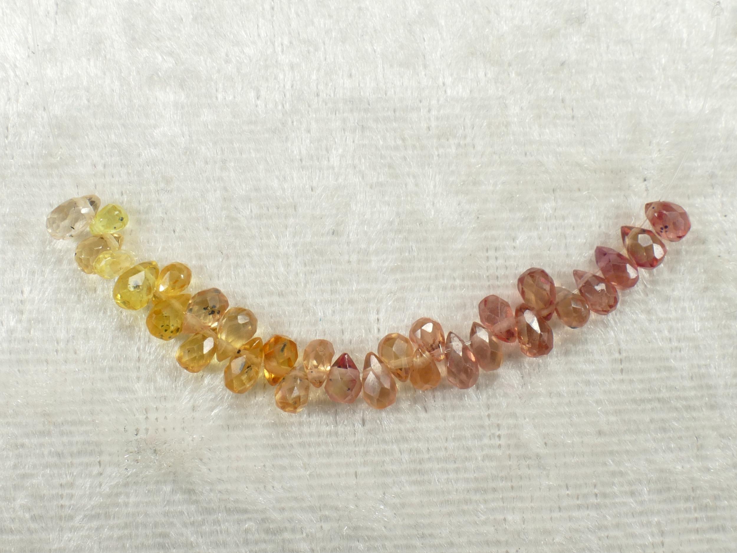 29 petits Saphir naturel perle briolette larme facetté Madagascar orange rose doré padparadscha (#PK389)