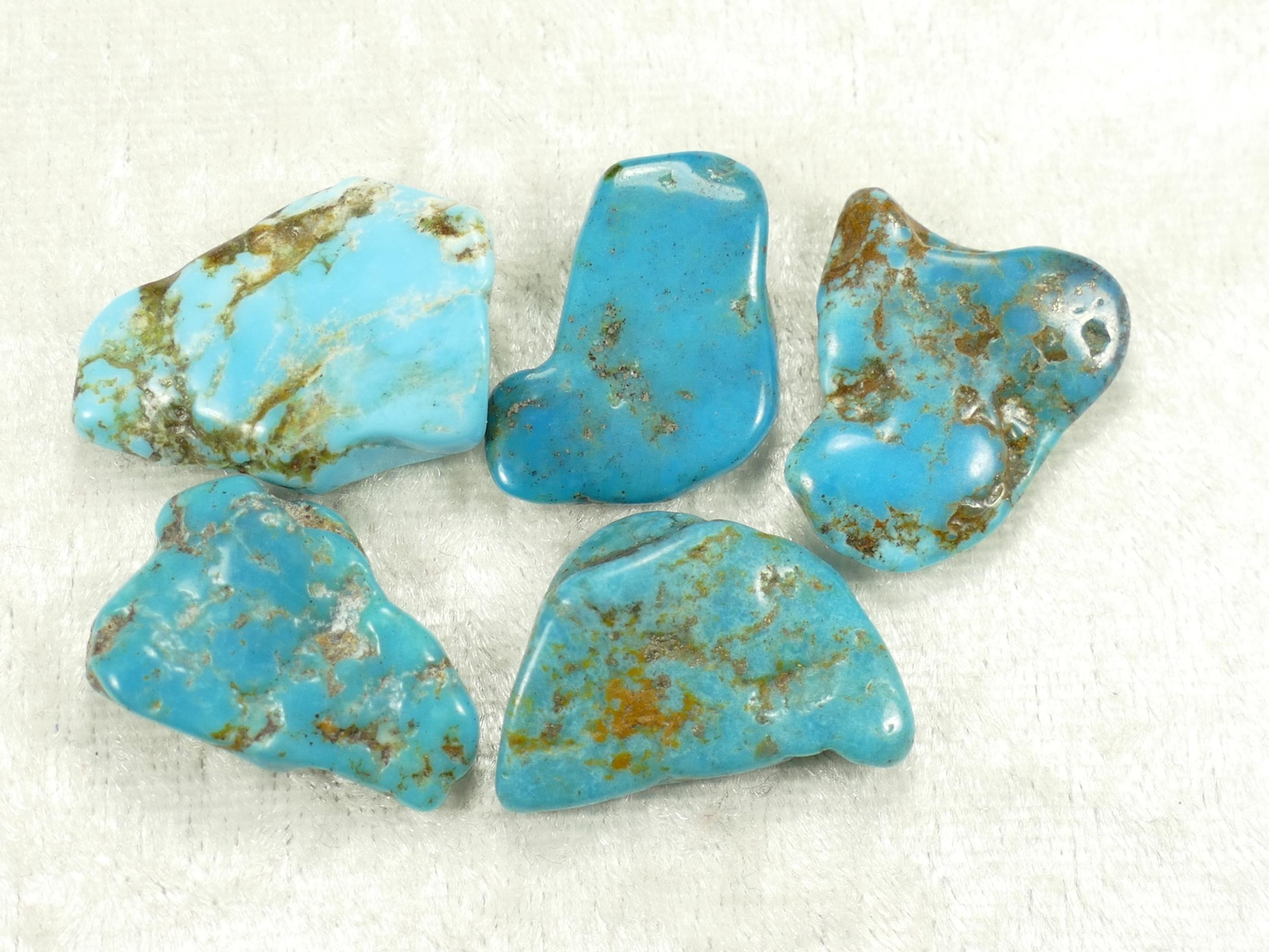 5 Turquoise naturelle en morceau roulé avec matrice de Mongolie 14.09g lot (#PK600)