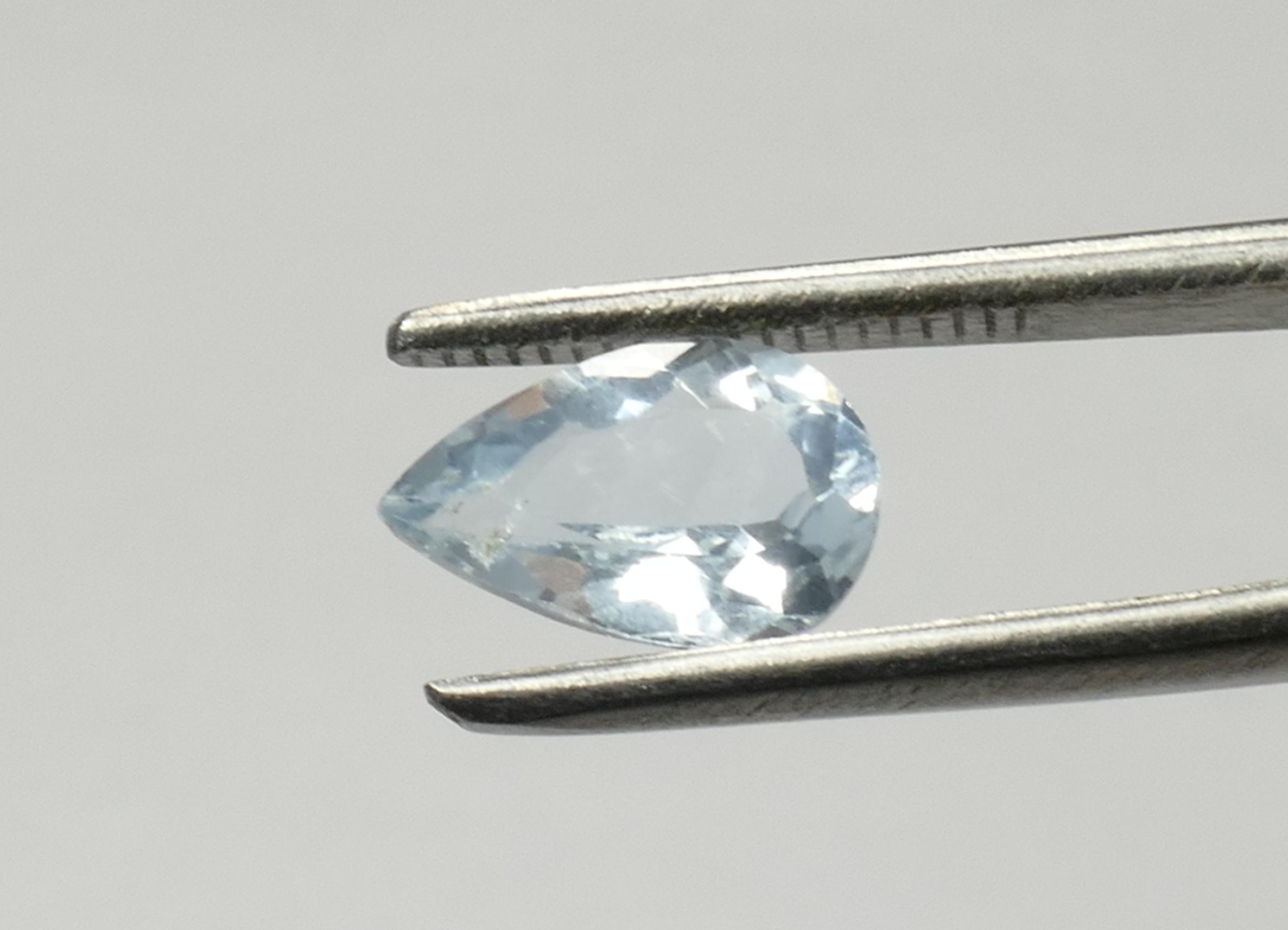 10x6,5mm Aigue-maine naturelle bleu gris clair en poire 1,34ct Brésil (#PB627)