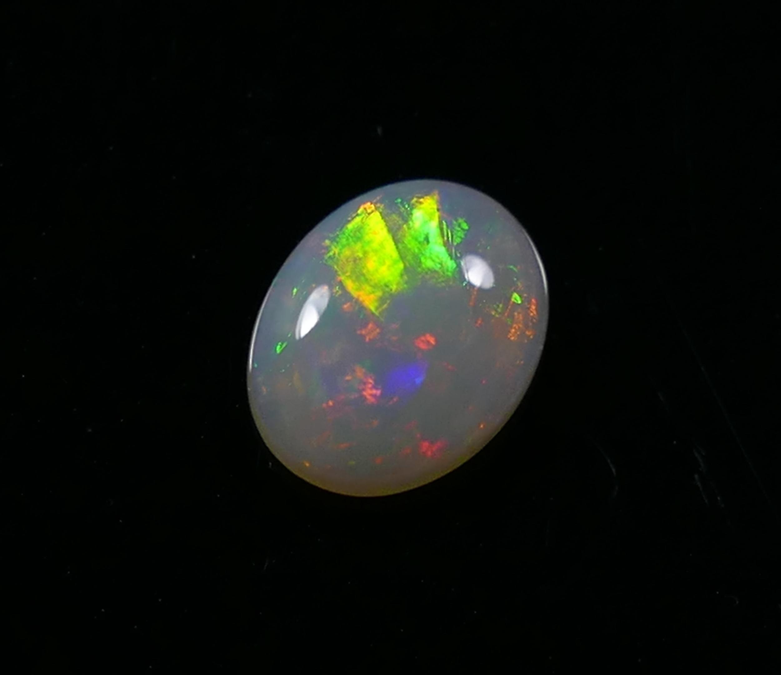 9x7mm Jolie Opale blanche massive naturelle de Coober Pedy en Australie 1.17ct cabochon ovale pour pendentif bague (#PB65)
