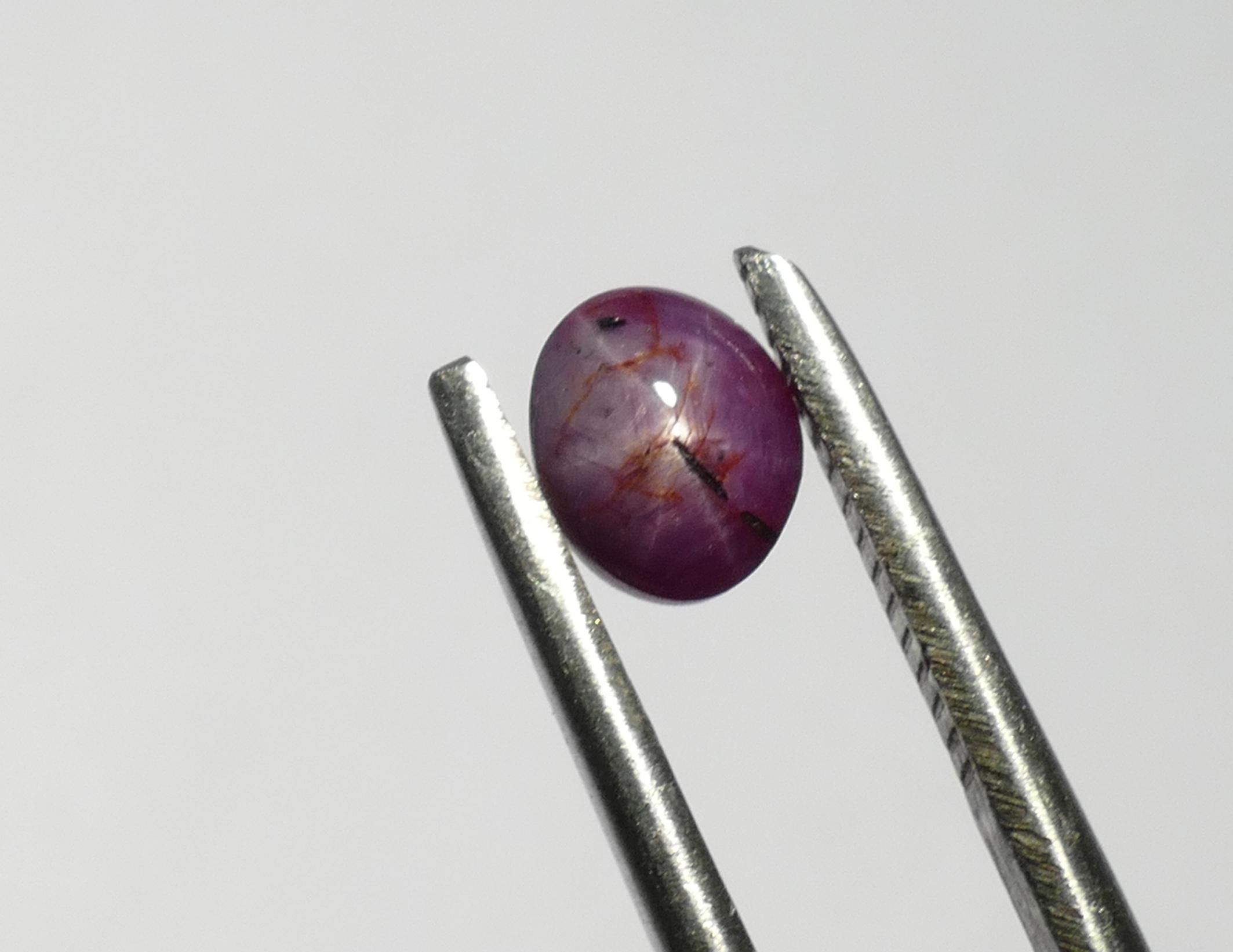 5.8x4.8mm Rubis naturel étoilé en cabochon ovale 1.06ct d\'Inde (#PM75)