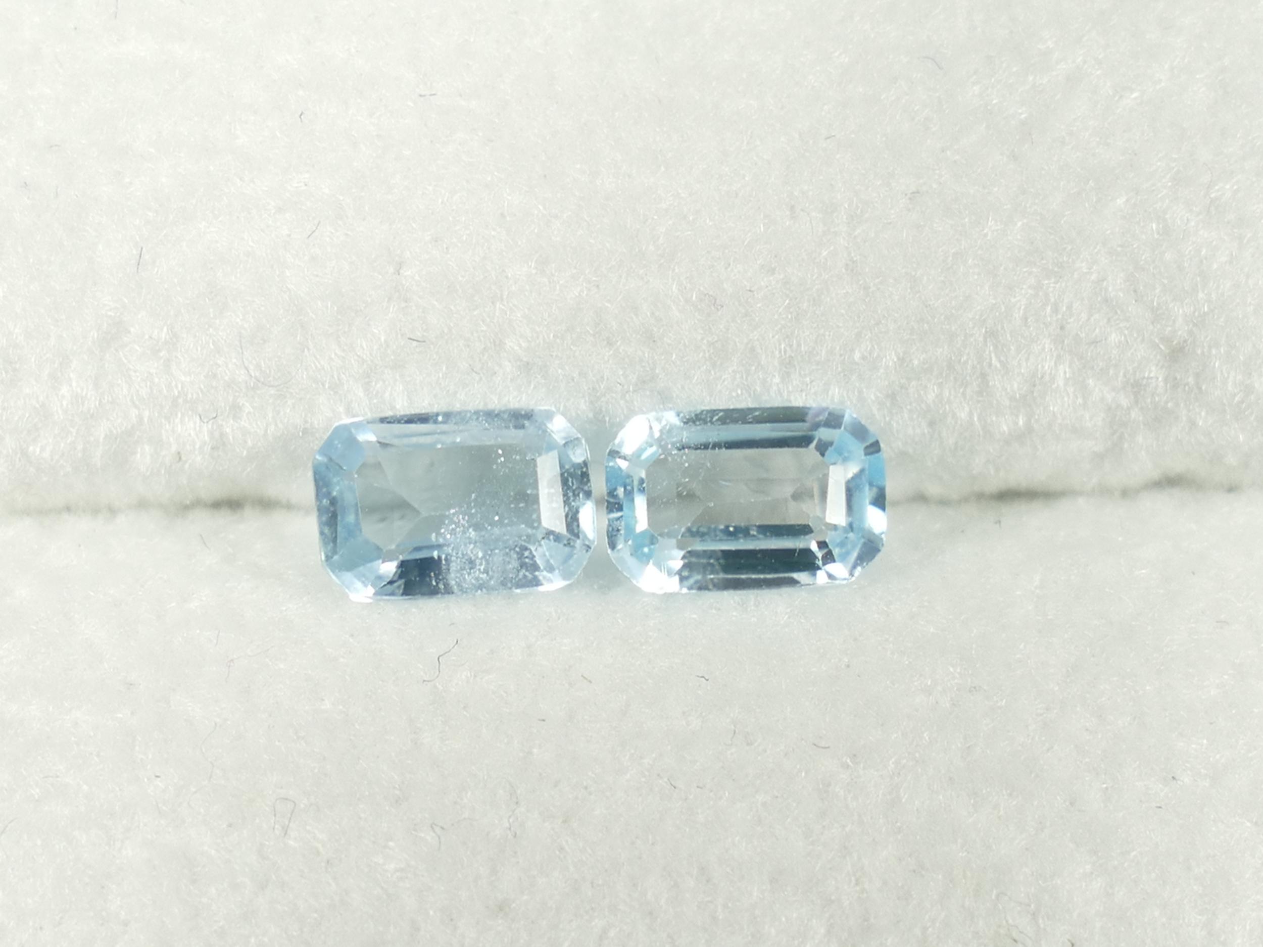 6x4mm Lot de 2 Topazes bleues entièrement naturel octogonale 1.19ct du Brésil (#PF314)