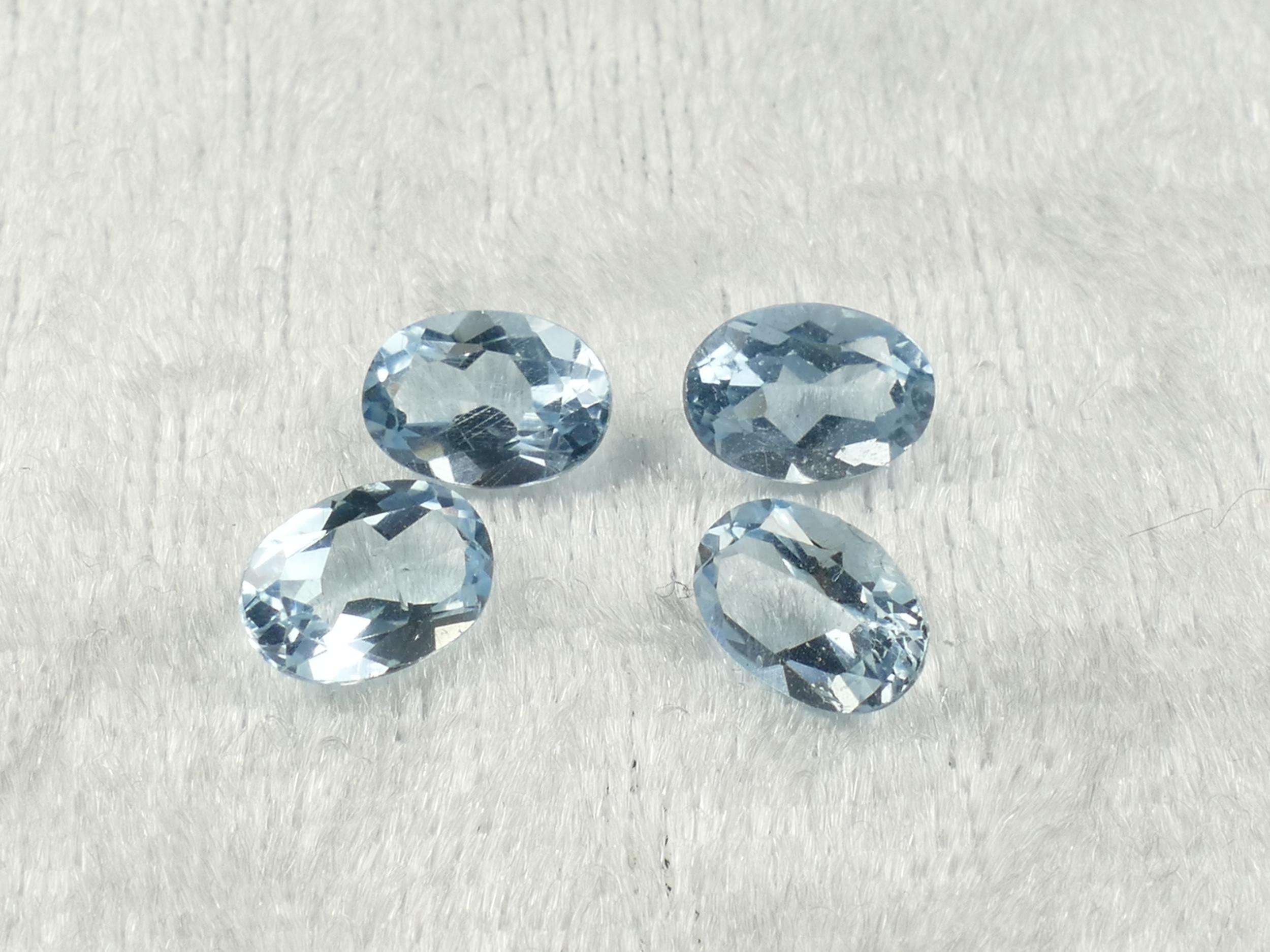 7x5.1mm 4 Topazes bleues entièrement naturel ovale 3.68ct Brésil (#PB847)