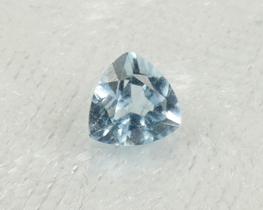 5mm Topaze bleu entièrement naturel en triangle VS-VVS 0.53ct Brésil (#PB837) Trillion