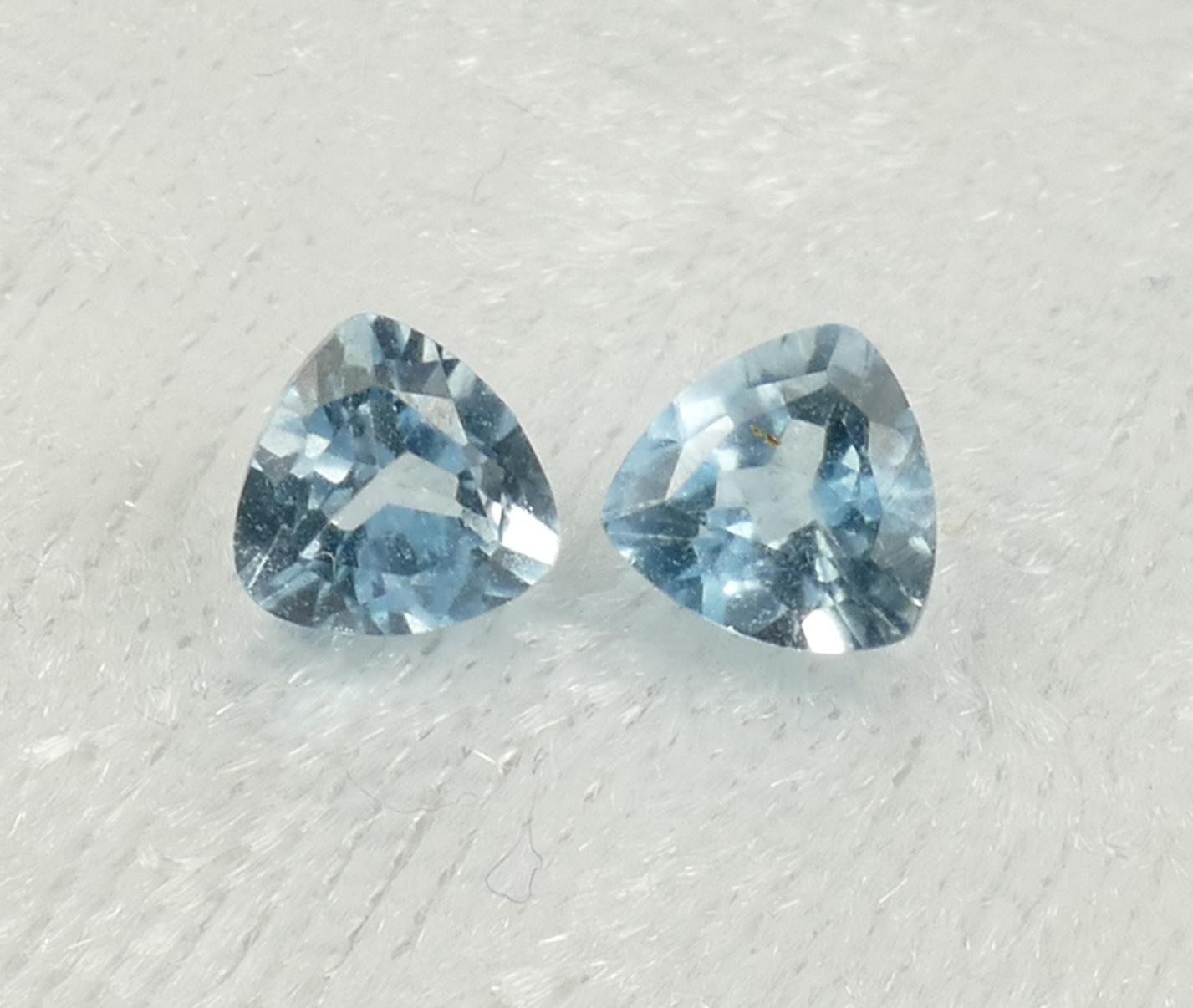 5.1mm 2 Topazes bleu entièrement naturel en triangle VS-VVS 1.31ct Brésil (#PB838) paire Trillion