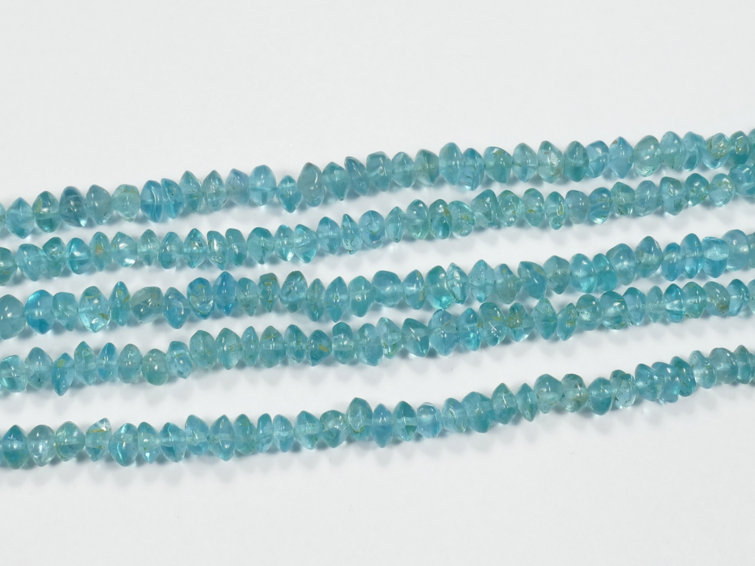 4.4/5.4mm Perles d\'Apatite bleu ciel naturel en rondelle lisse irrégulière x16cm (6.2inch) (#AC894)