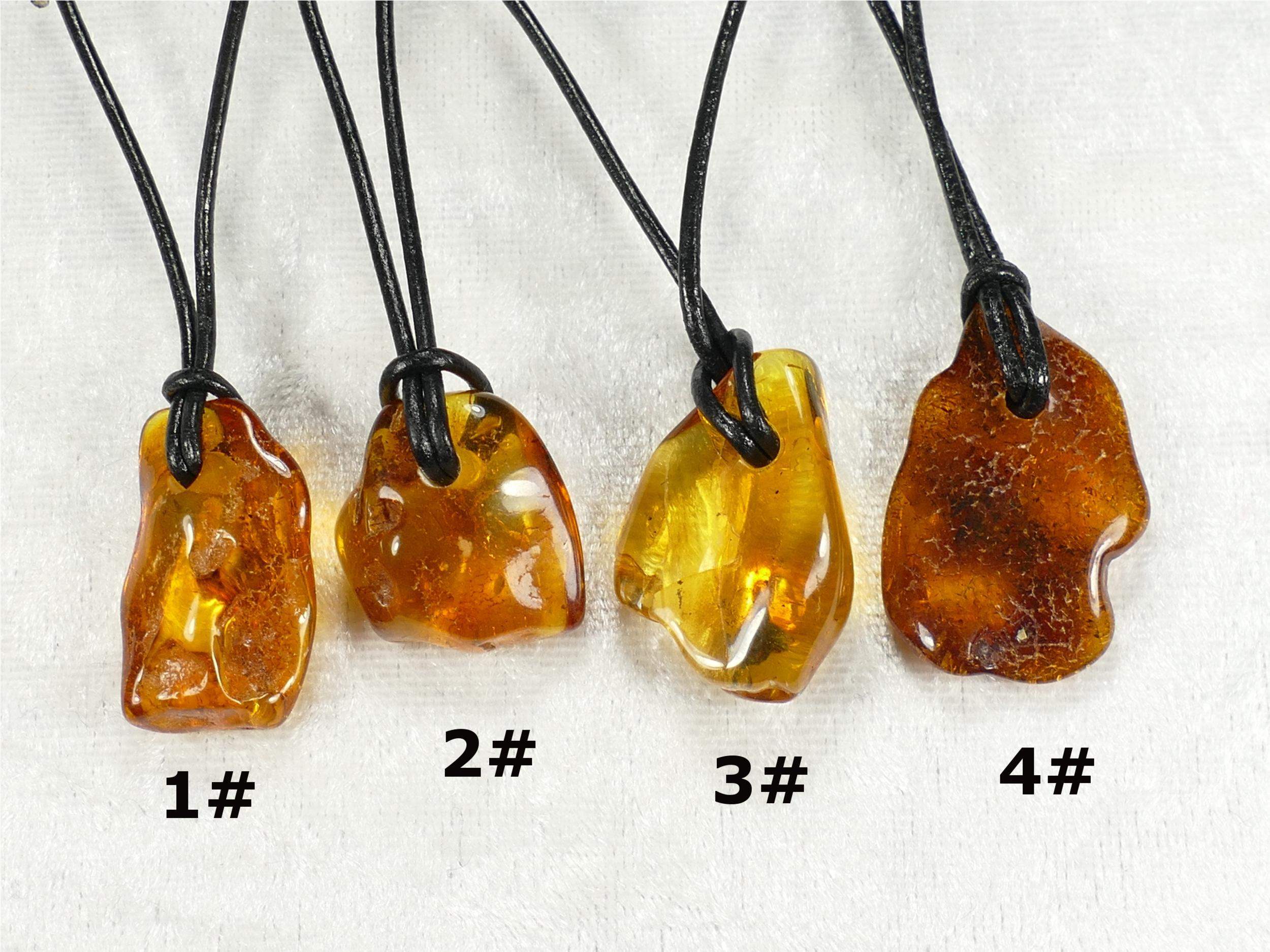 Collier pendentif d\'Ambre naturel roulé de la Mer Baltique galet brun miel jaune caramel (#PF4)