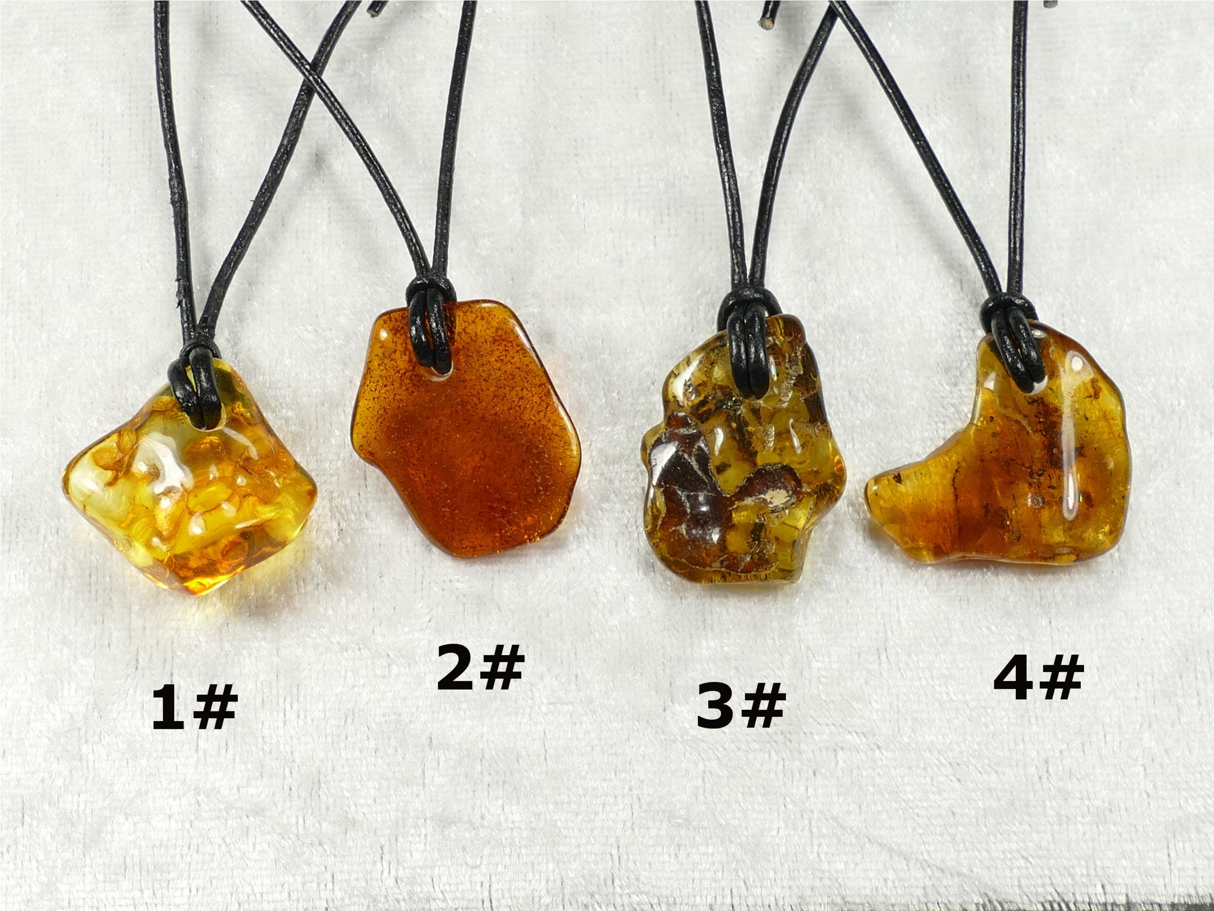Collier pendentif d\'Ambre naturel roulé de la Mer Baltique galet brun miel jaune caramel (#PF6)