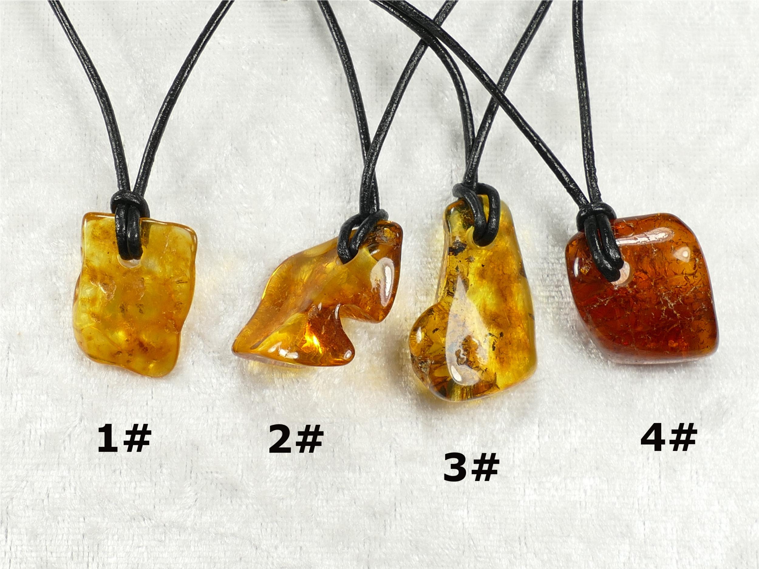 Collier pendentif d\'Ambre naturel roulé de la Mer Baltique galet brun miel jaune caramel (#PF5)