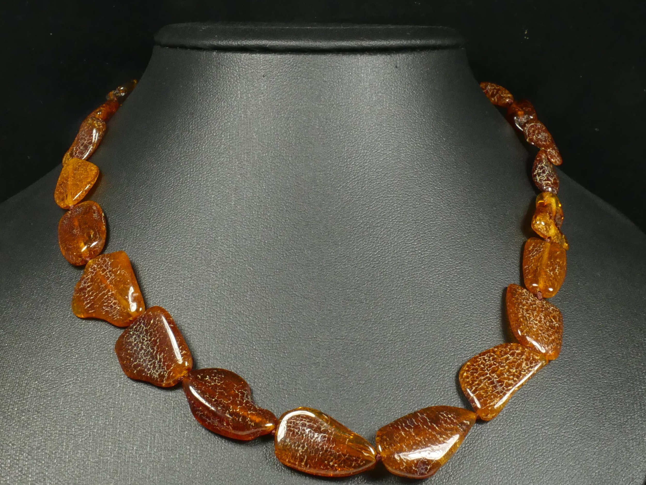 Collier d\'Ambre naturel natif en perle roulé de la Mer Baltique 45cm orange brun plate (#PF79)