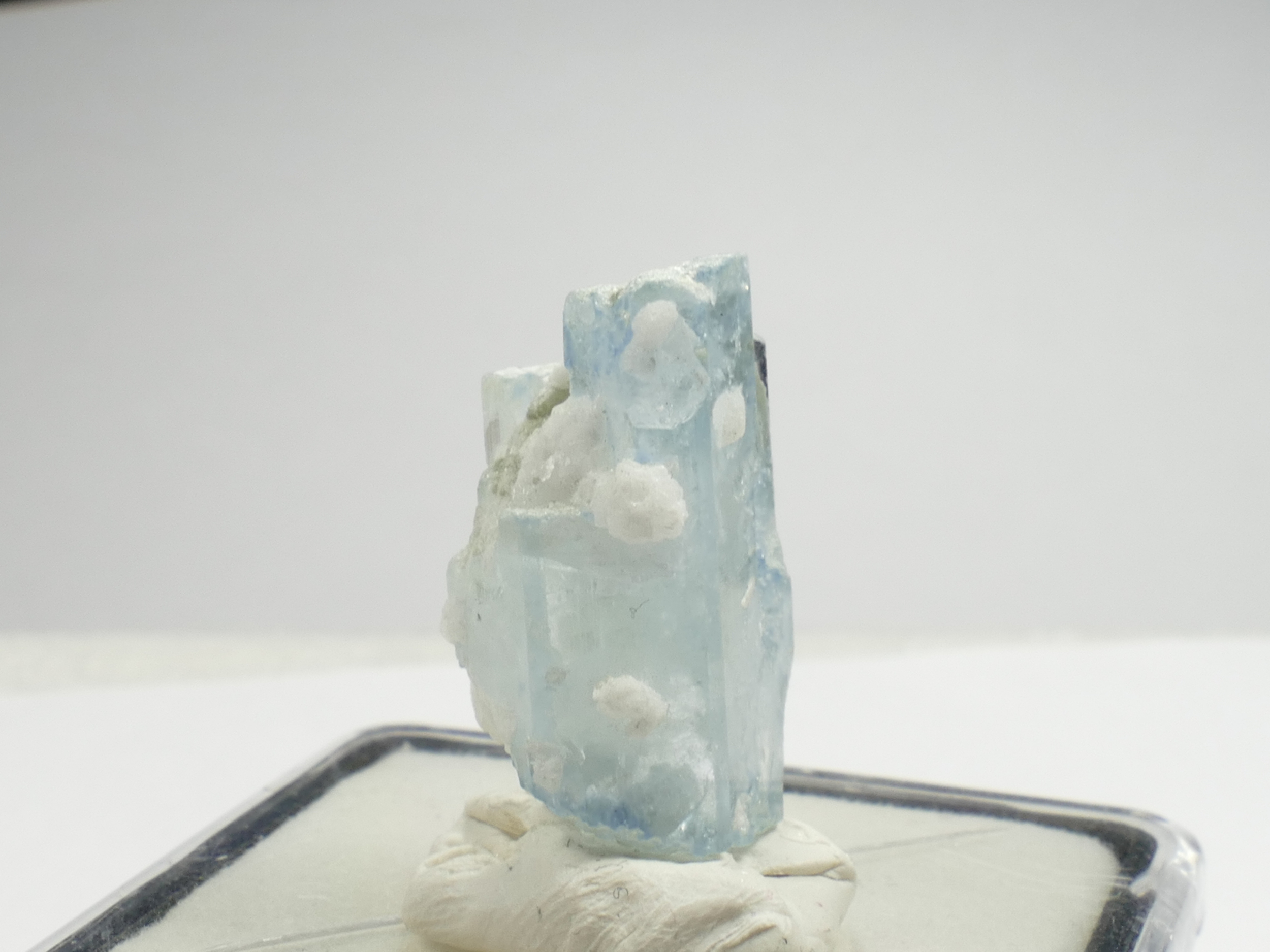 23mm Spécimen d\'Aigue-marine naturelle brute 4.84g du Pakistan Béryl bleu avec matrice (#PF265)