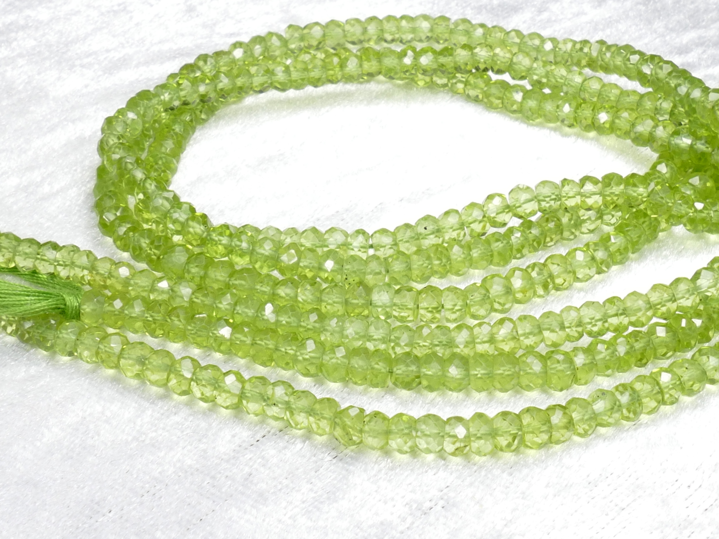 4/4.7mm AAA Perles de Péridot naturel en rondelle facettée x10cm (3.9inch) (#AC907)