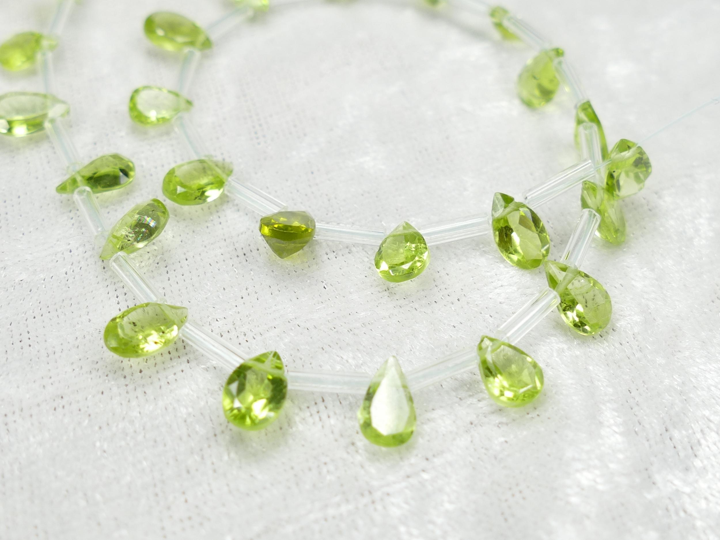 7x5mm AA/AAA x8 Perles de Péridot naturel en poire facettée (#AC982)