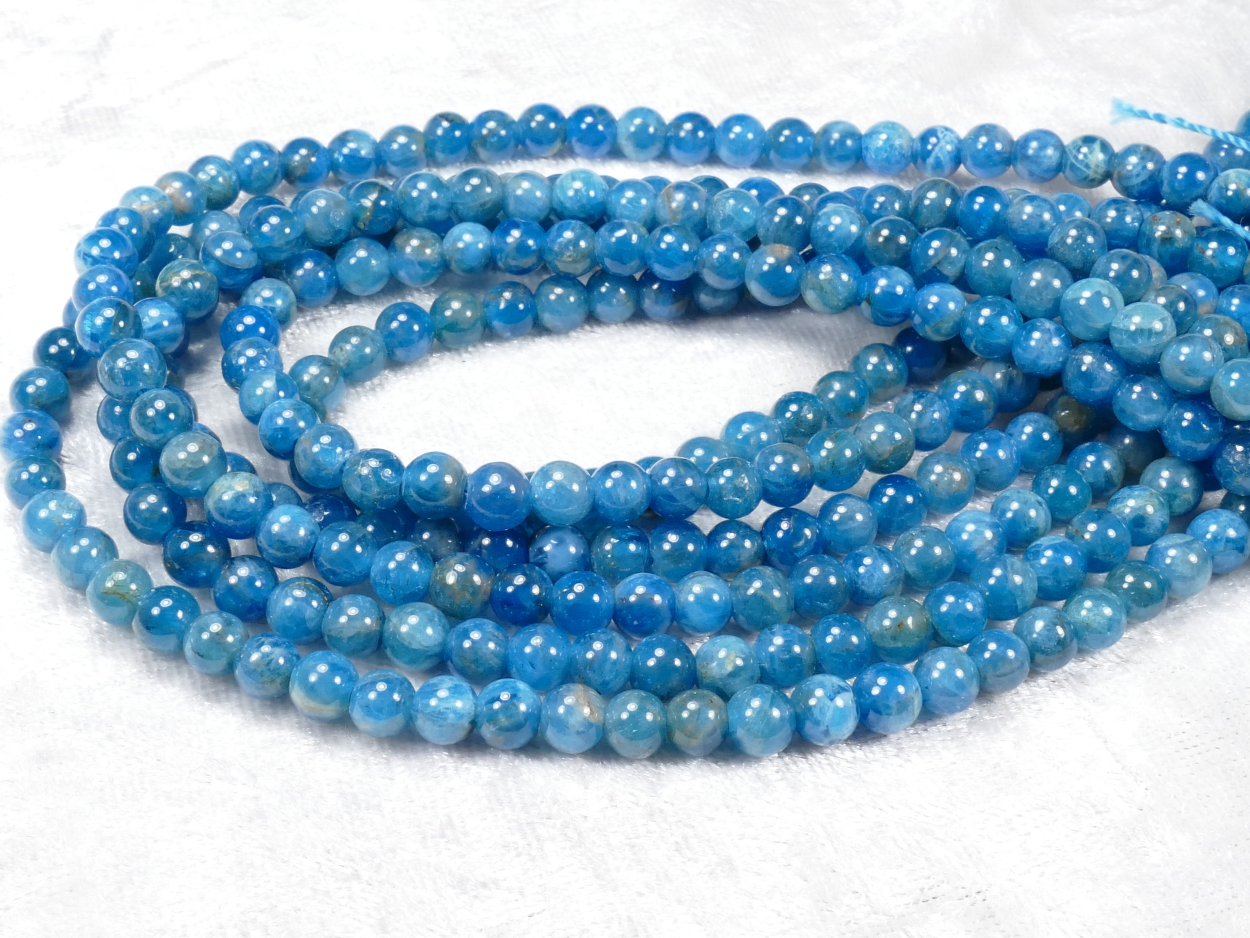 5mm x40 Perles d\'Apatite bleu foncé nuit naturelle ronde lisse (#AC805)