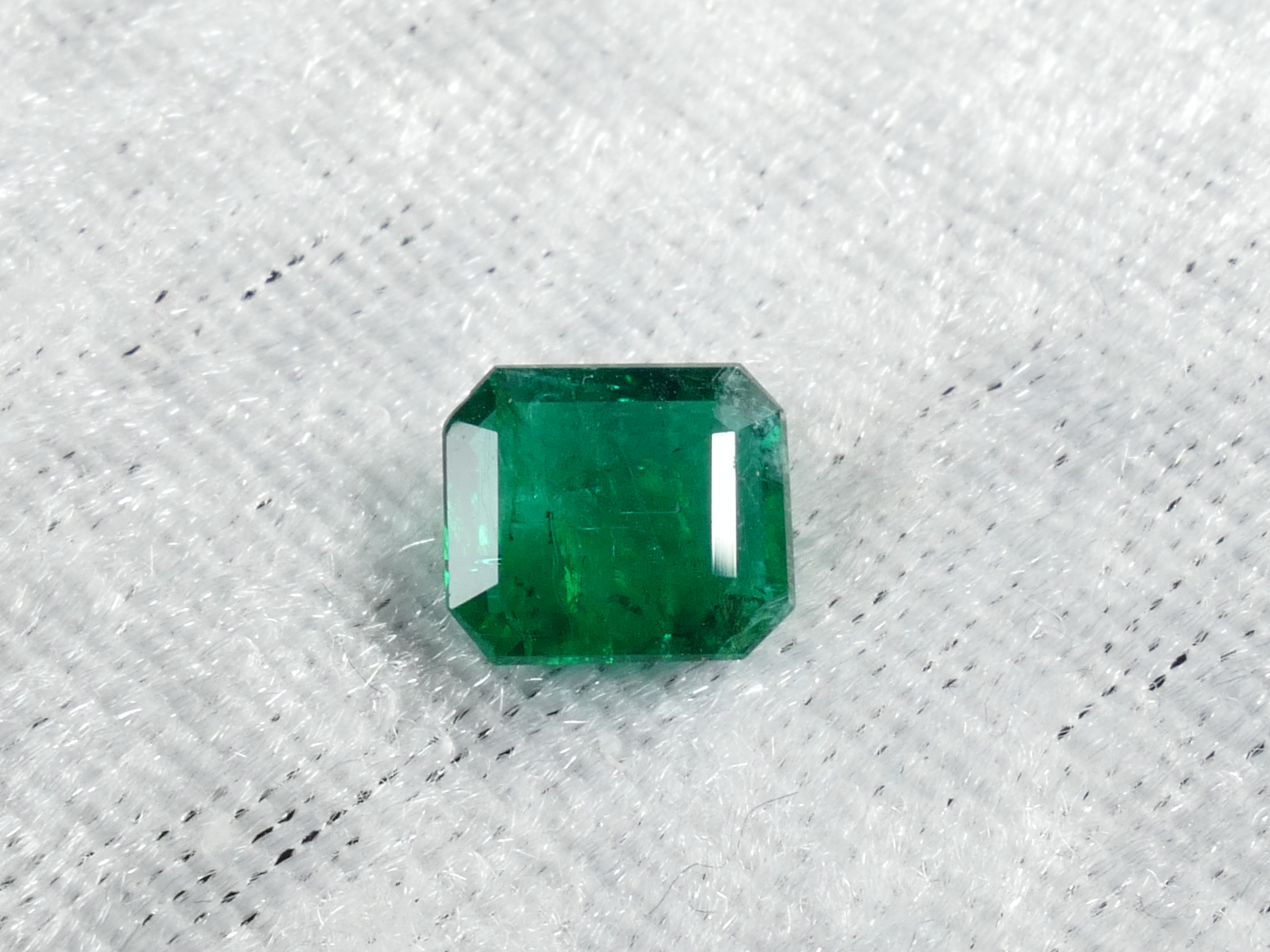 7.8x6.8mm Emeraude naturelle taillée émeraude 1.5ct de Zambie vert très intense certifiée (#PM68)