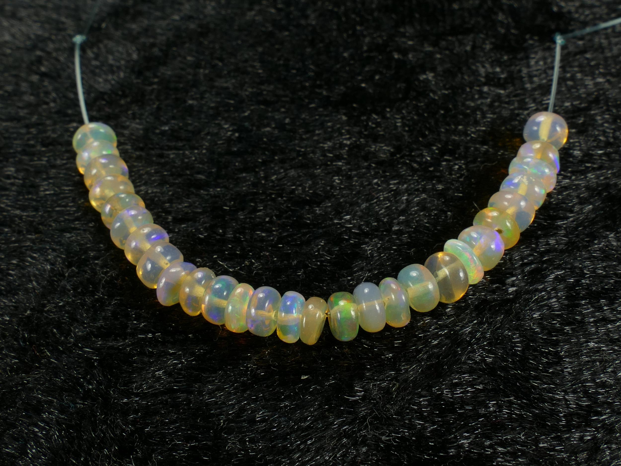 3.7/4mm Perle d\'opale noble naturelle d\'Ethiopie rondelle lisse 5.5cm (2.16in) (#PK729)