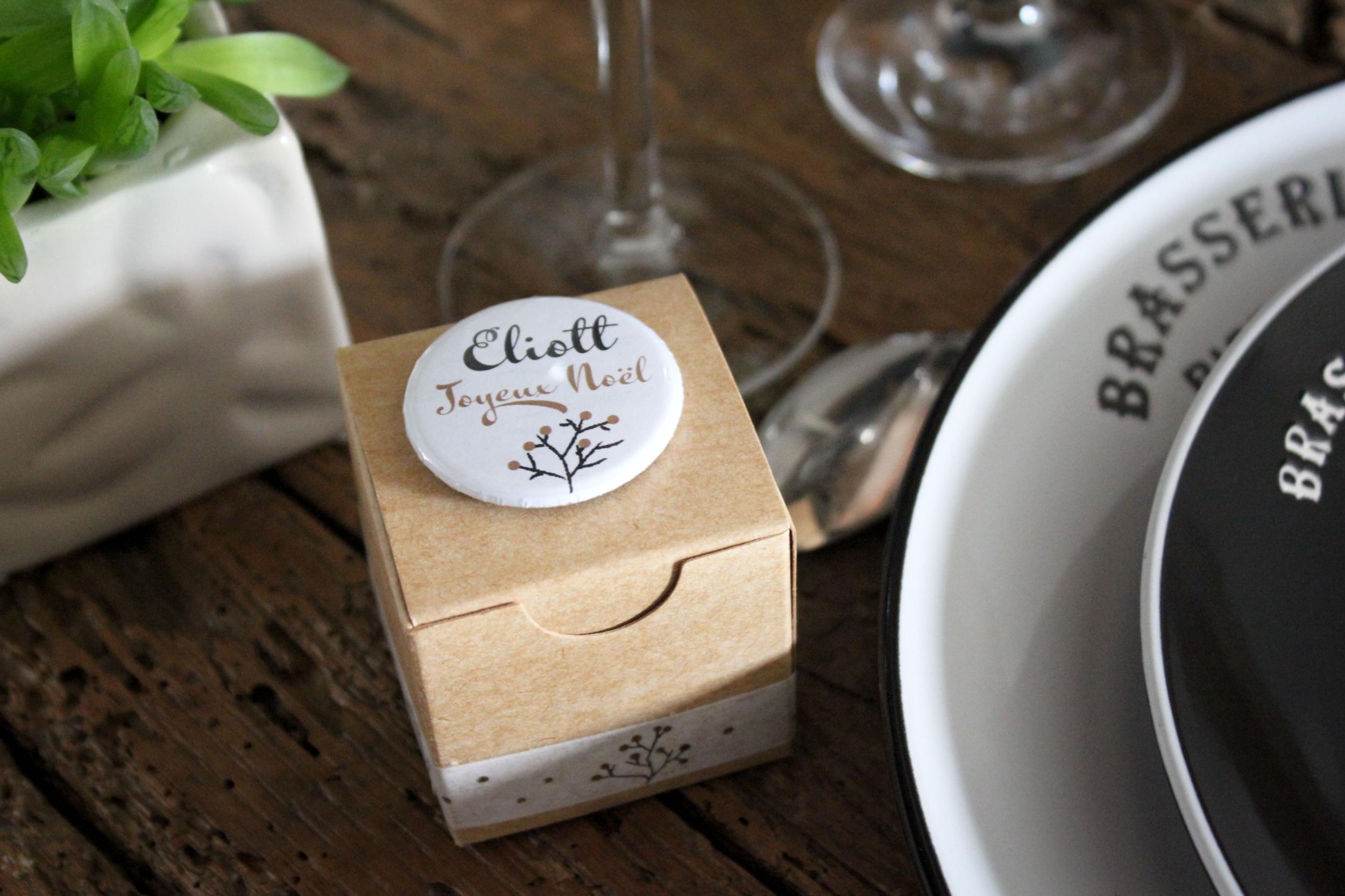 Boite à gourmandises Noël - cadeau invité - marque place réveillon