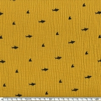 Tissu double gaze de coton requins coloris moutarde 20 x 140 cm