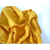 Tissu plumetis coloris moutarde 20 x 140 cm