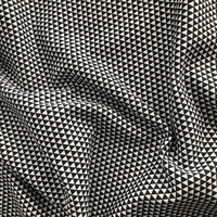 Molleton fin triangles noirs et blanc 20 x 140 cm