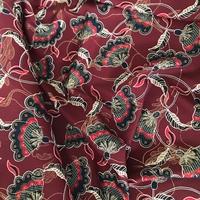 Crêpe lisse Trois-Rivières fond bordeaux 20 x 140 cm