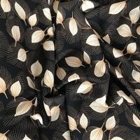 Crêpe lisse Victoria fond noir 20 x 140 cm