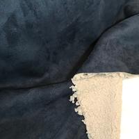 Suédine doublée fausse fourrure coloris marine clair 20 x 140 cm