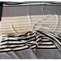 """Panneau de jersey épais rayure """"changeante"""" crème gris noir bordeaux 1m30 x 125 cm"""