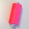 Bobine de fil à coudre rose fluo 1000m