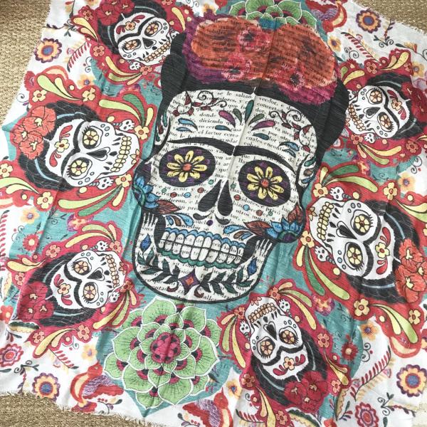 fabrication habile gamme complète d'articles répliques Foulard Frida Skull