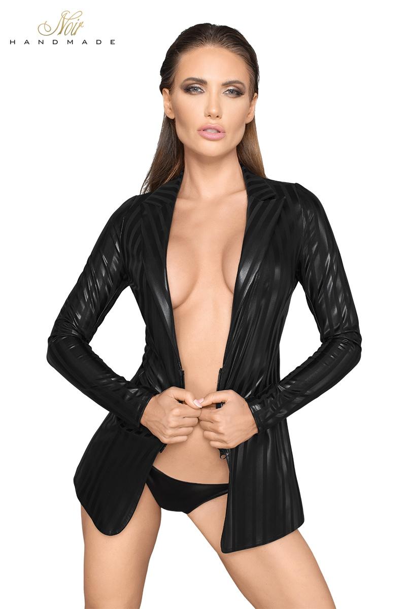 Veste style tailleur en powerwetlook rayé coupe cintrée col à rabats fente sur les fesses