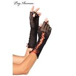 Paire de mitaines demi-doigts en résille noire avec un ruban de satin rouge lacé sur le bras