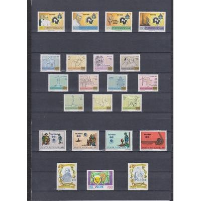 Vatican - Collections d'émissions neuves ** - Cote €16