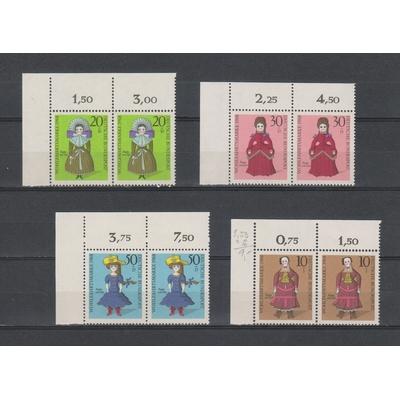 Allemagne - Poupées - Série neuve ** en paire bord de feuille - Cote €4
