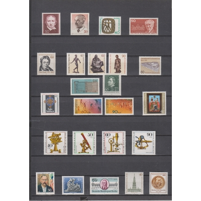 Berlin - Sélection de timbres neufs ** des années 70/80 - Cote €35
