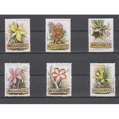 Mozambique - Fleurs - yt.851/56 neufs ** - Cote €6
