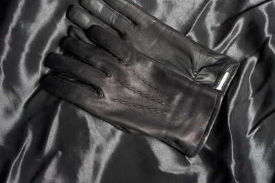 leather-gloves-4815310_1920  L'univers du Made in France sur coqelysées.com