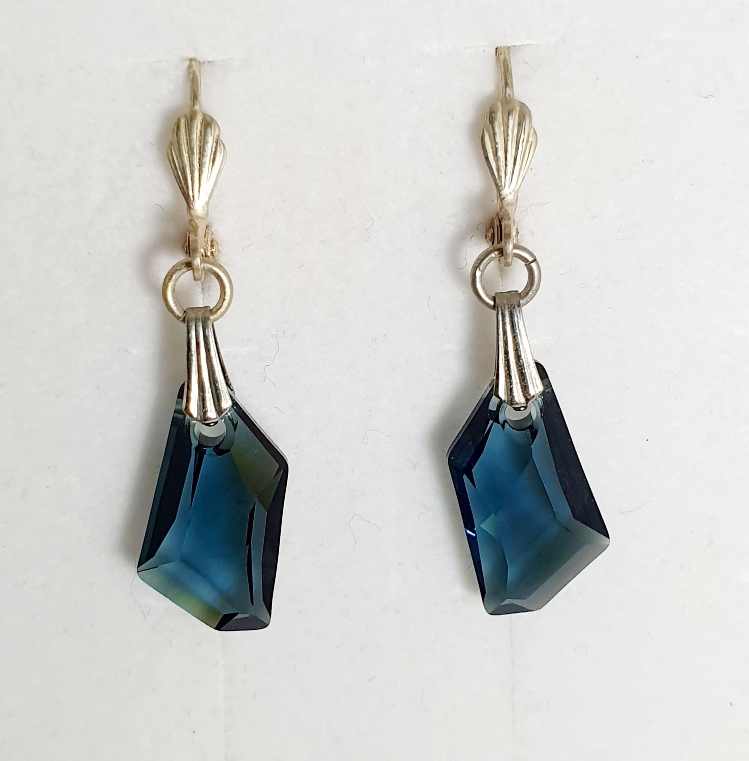 Boucles d\'oreilles géométrique en cristal Swarovski bleu saphir