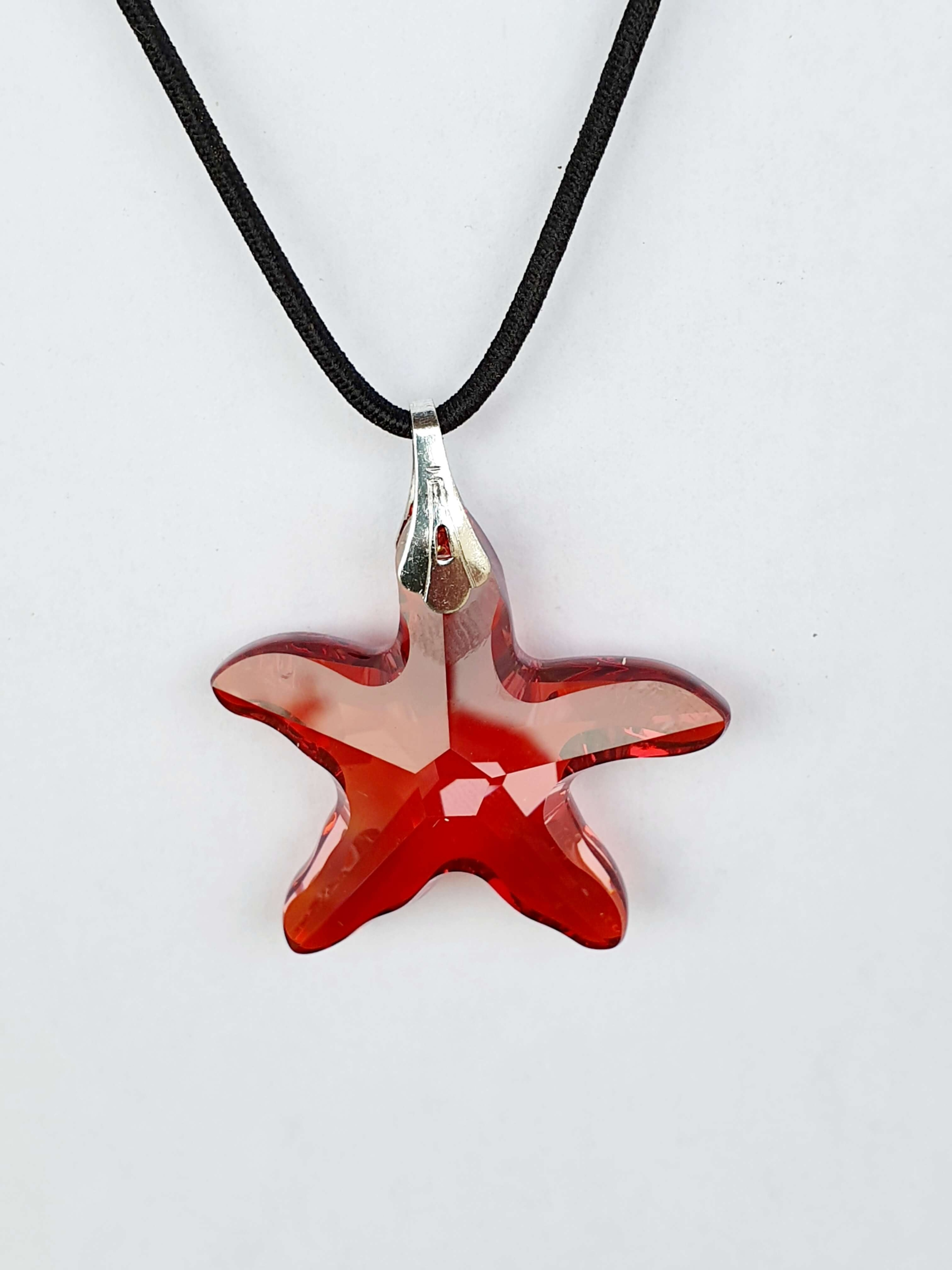 Pendentif étoile en cristal Swarovski rouge magma