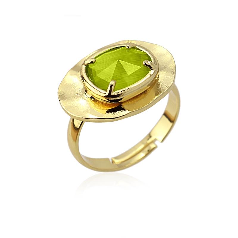 Bague ovale avec pierre oeil de chat verte