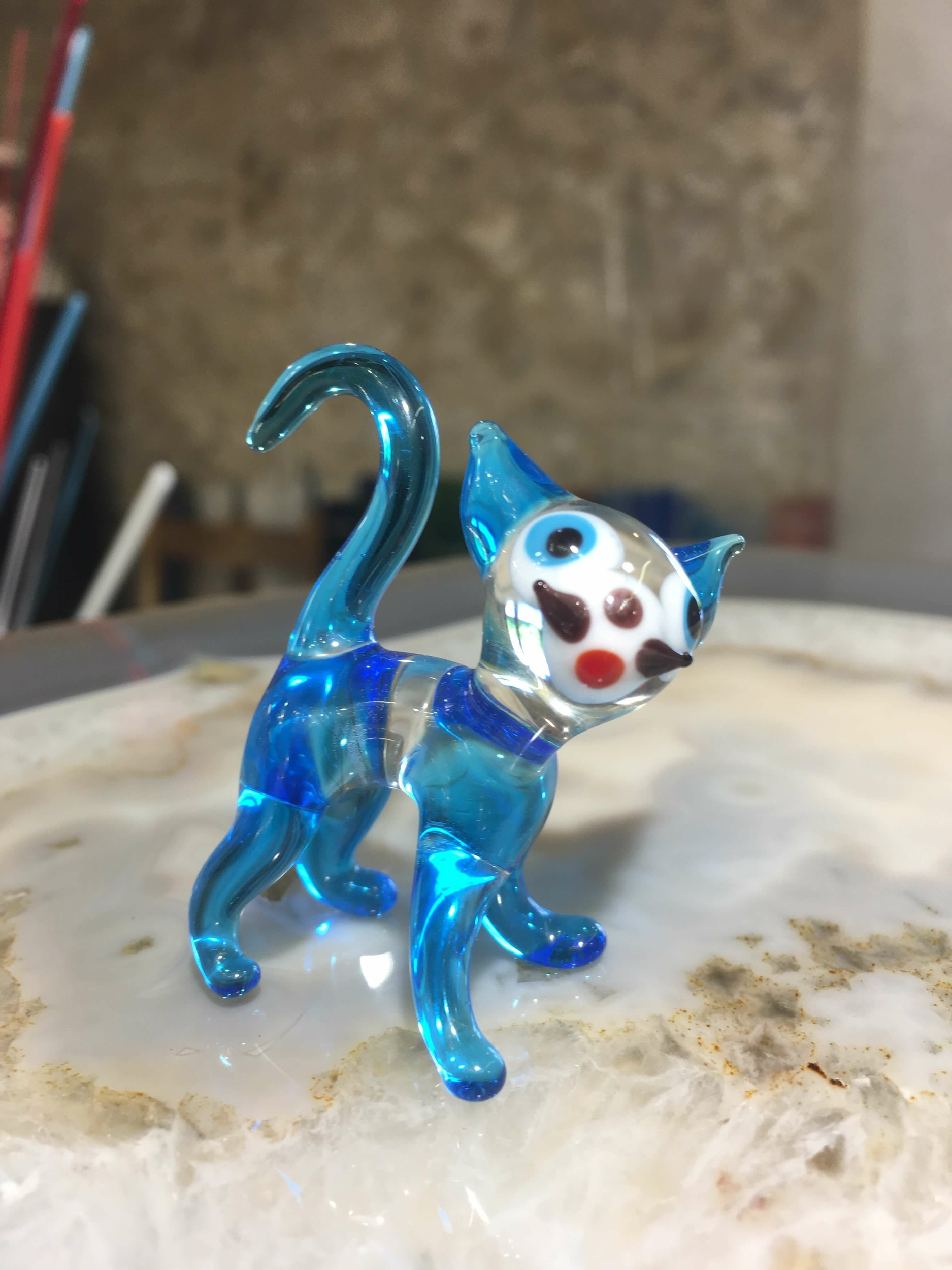 Chat en cristal bleu turquoise