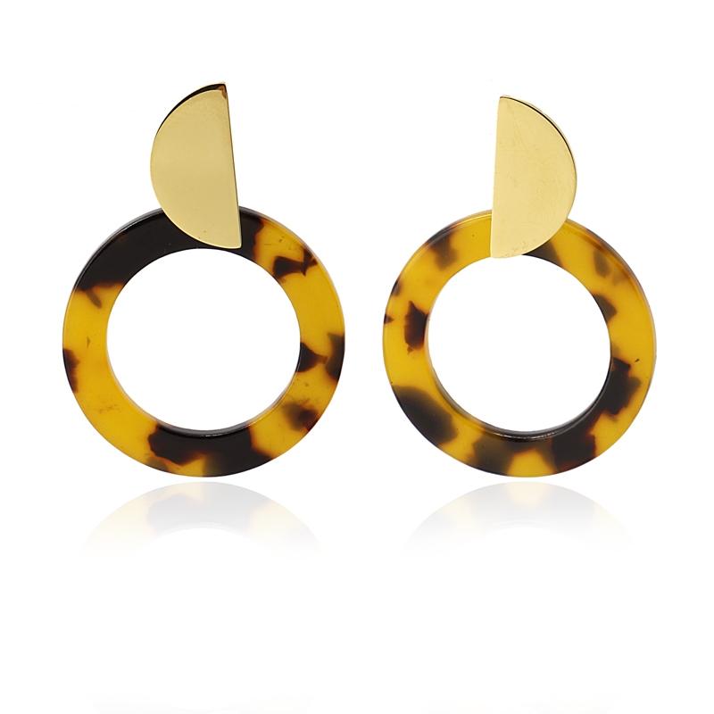 Boucles d\'oreilles pendantes marron