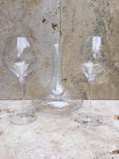 2 Verres à vin + Carafe
