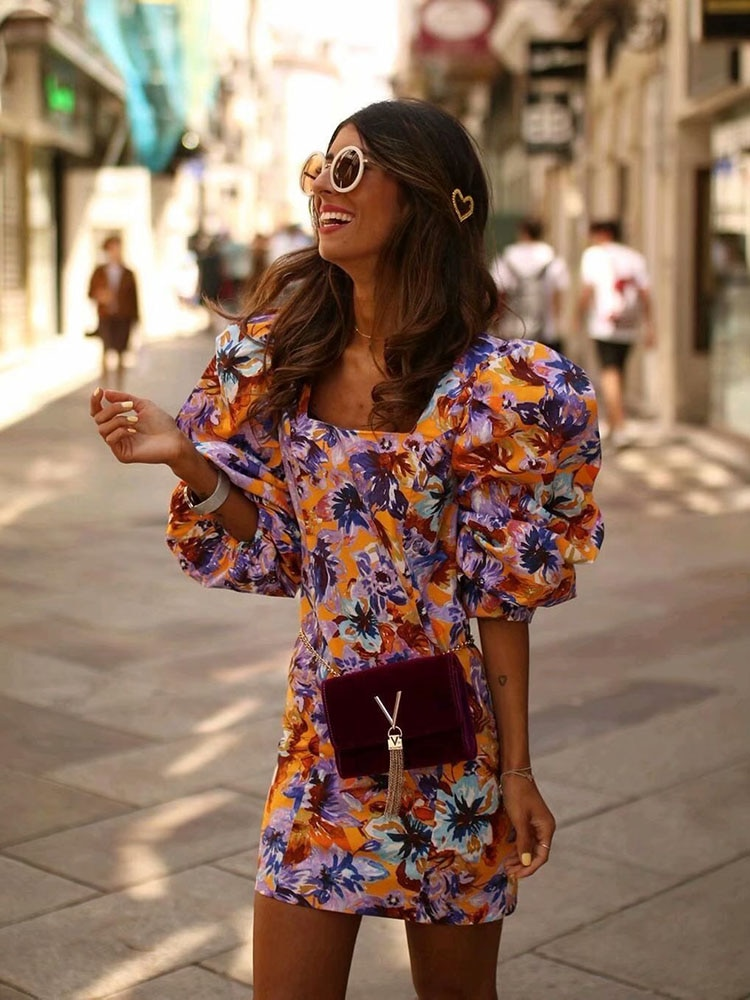 Mini robe floral manches longues et lâches