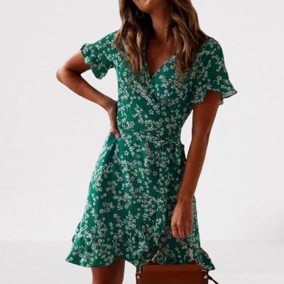 robe-courte-fleurie-verte